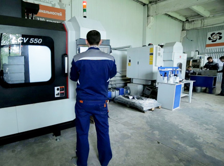 Metalworking. Milling and CNC lathes
